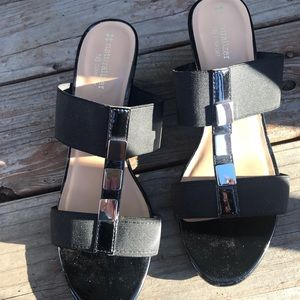 Naturalizer Hayden Black sandals